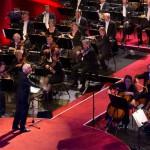 Armin Müller Stahl dirigiert das MDR-Sinfnieorchester