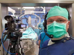 Live-Kameramann im OP-Saal
