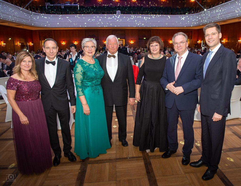 Ehepaar Dr. Günther, Ehepaar Dr. Hagenau, Ehepaar Dr. Haseloff, Christian Hirte - Wirtschaftsball Leuna 2018